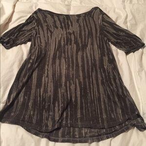 Black & gray 1/2 sleeve top